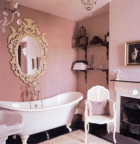 How To Create A Vintage Bathroom Design for A Modern Home | blog.