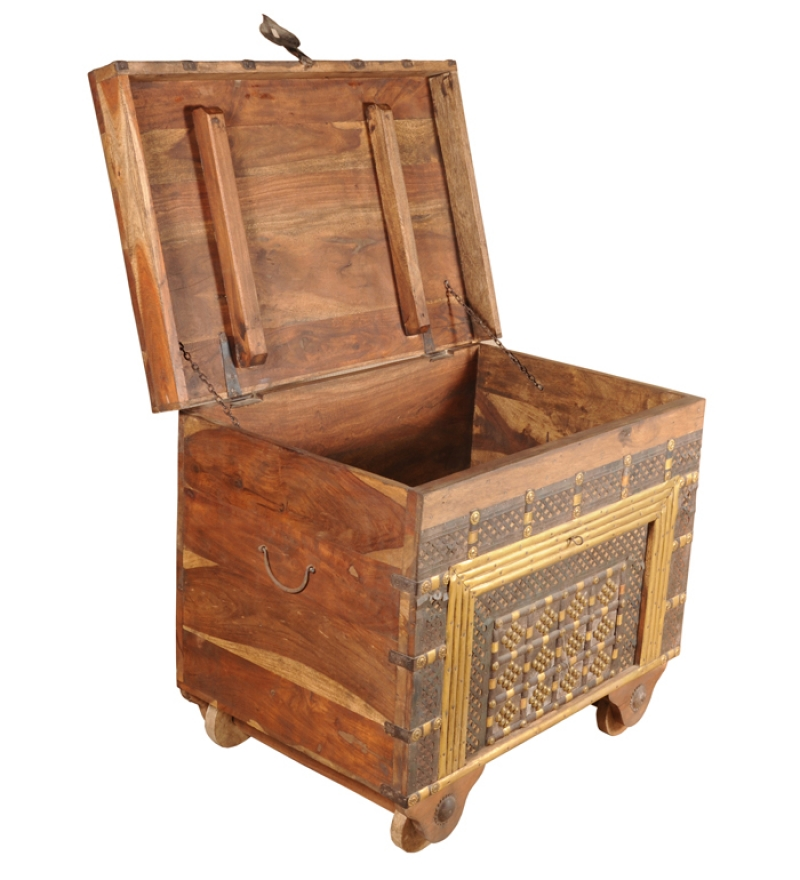 How to Clean A Wooden Chest