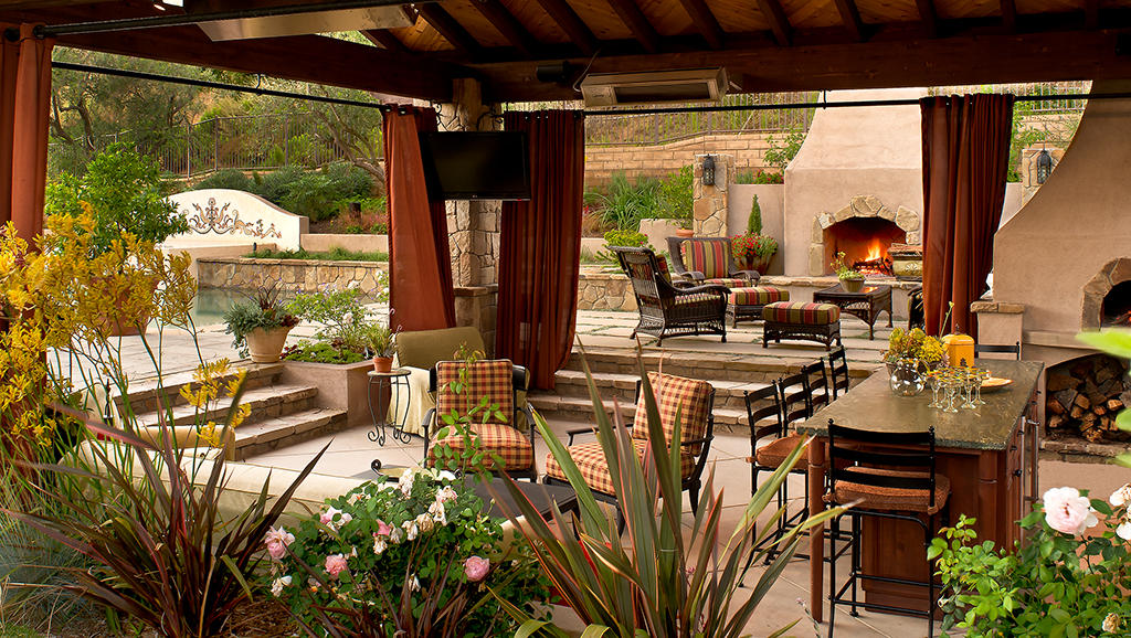 Transform your outdoor area into a functional and relaxing space